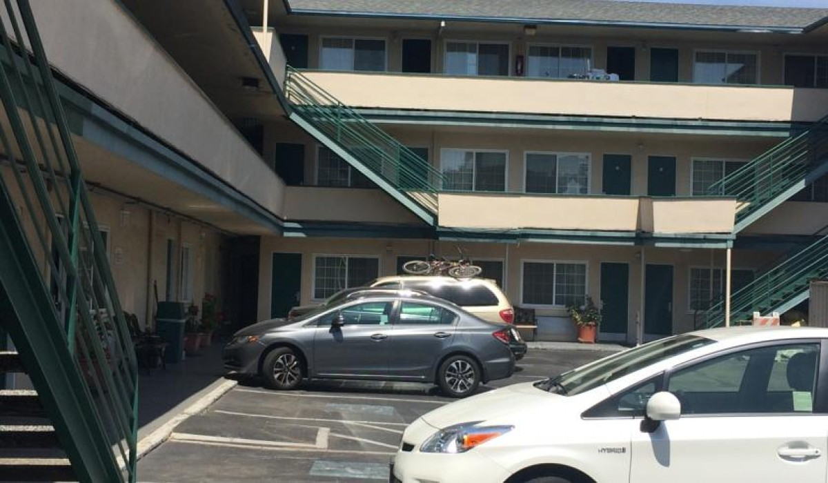 Travel Inn San Francisco - Free limited parking is available at Travel Inn SF