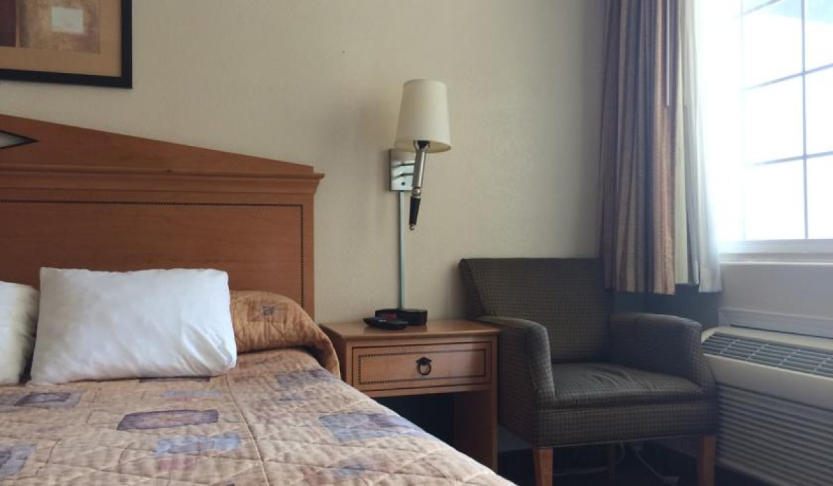 Travel Inn San Francisco - Rooms feature air-conditioning at Travel Inn