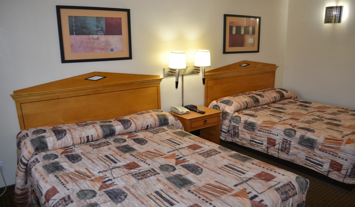 Travel Inn San Francisco - Plush bedding at Travel Inn