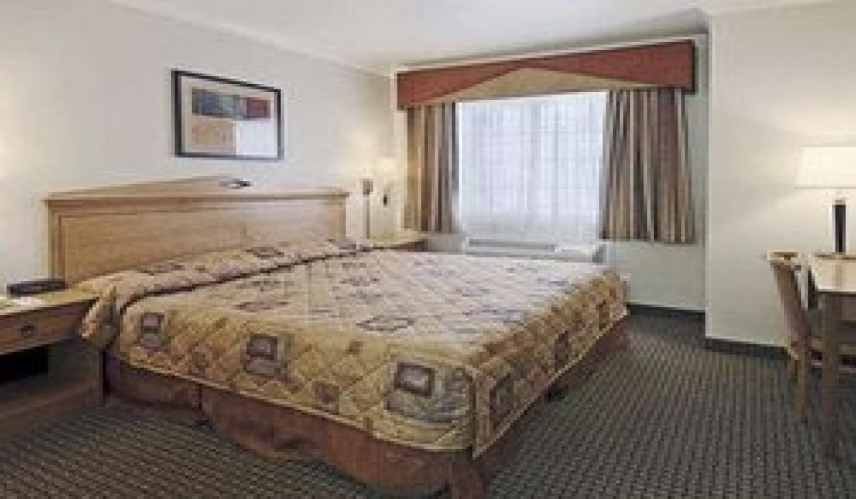 Travel Inn San Francisco - Queen Bed at Travel Inn